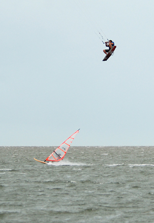 Francisco Jumps Windsurfer.jpg