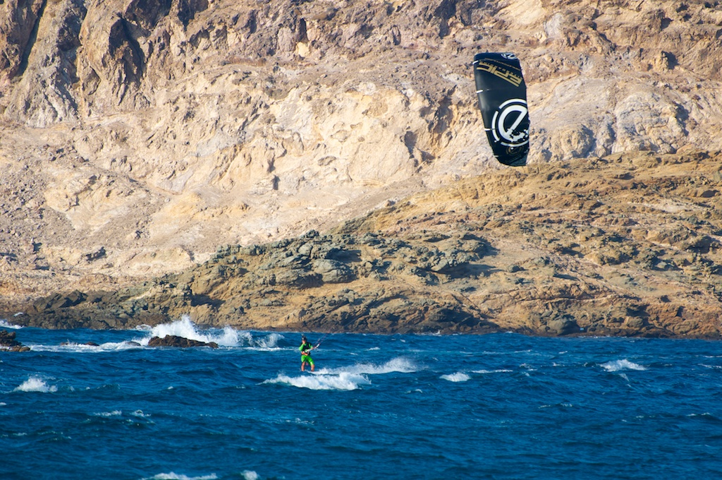kiter testing the SCREAMER 10 LTRD (4G).jpg