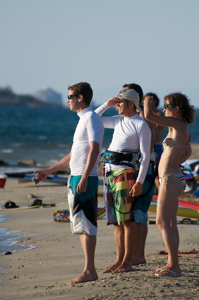 Some of the kiters looking at the INFINITY performing..jpg