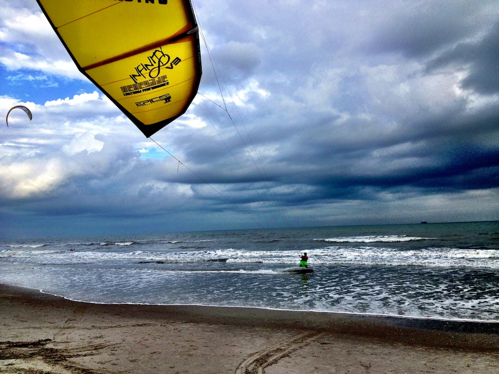 1kiting in 5 to 8 knots on INFINITY v3 6.jpg
