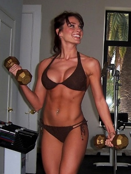 Amanda_Carrier_Working_Out_With_Dumbbells.jpg
