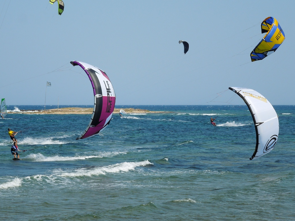Loutsa lots of kiters.jpg