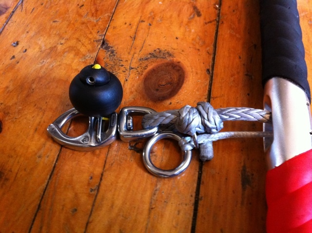 QR shackle with 1500 kg breaking .jpg