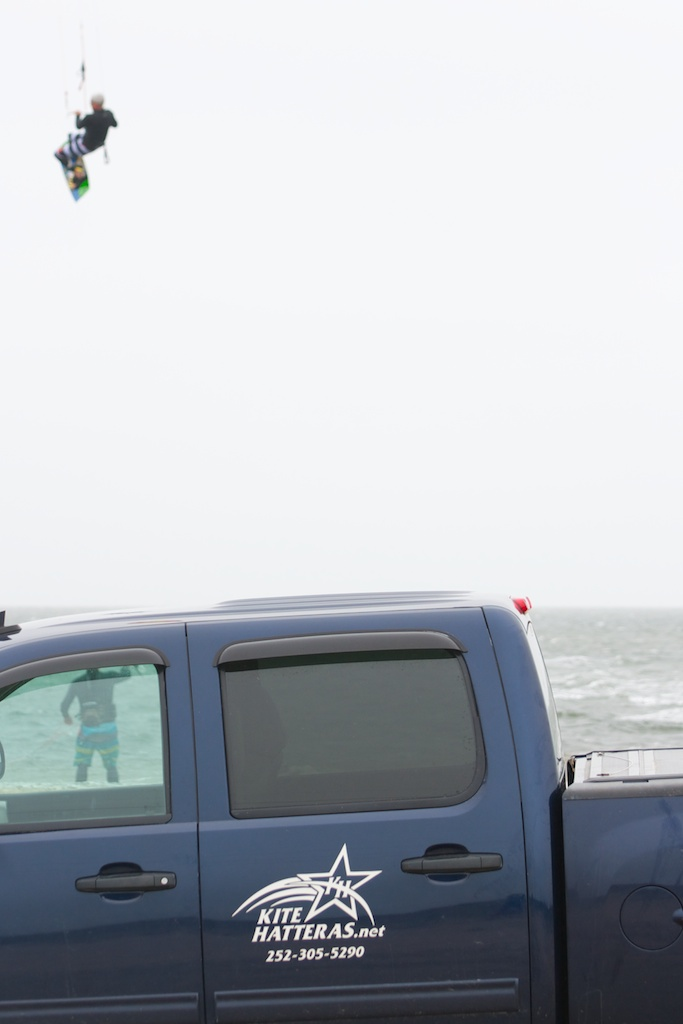 Ty Luckett from KITE HATTERAS demoing the S9.jpg