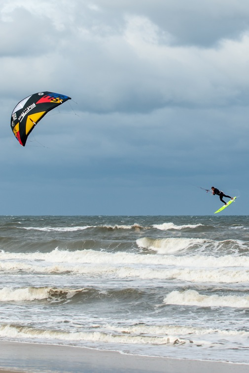 Dimitri testing the turning speed of the SURF 12 while in the air.jpeg
