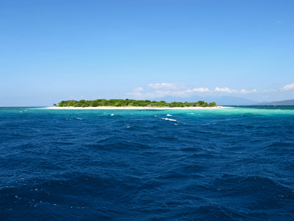 TABUHAN ISLAND AT BANGSRING BREEZE.jpg
