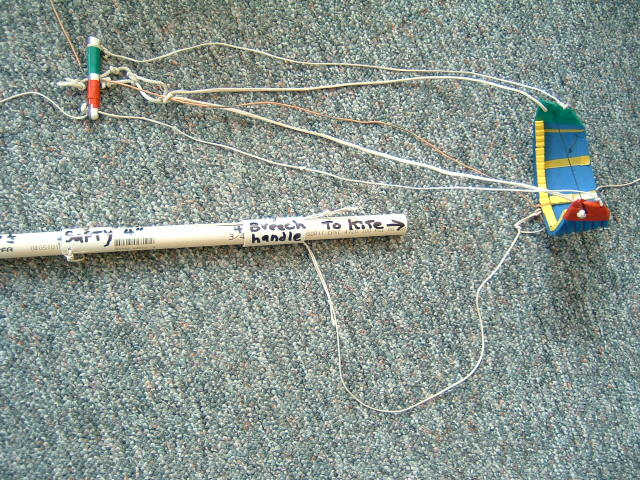 pump leash line & puppet kite in ready position.JPG